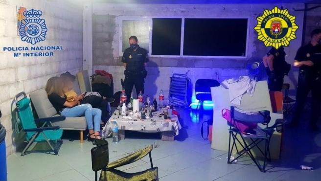 Sucesos.- Desalojan una discoteca ilegal con 38 personas y detienen a los organizadores por tráfico de drogas