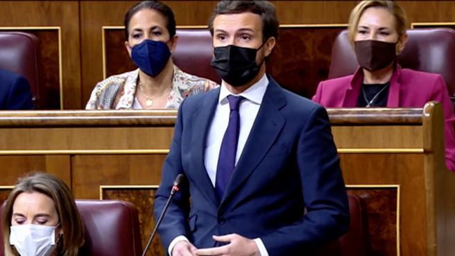 """El líder del PP, Pablo Casado, a Pedro Sánchez en el Congreso de los Diputados: """"Mintió a los españoles para ganar las elecciones y al día siguiente pactó con los secesionistas para que le hicieran presidente; ha quedado claro que se debe a ellos y no a los españoles""""."""