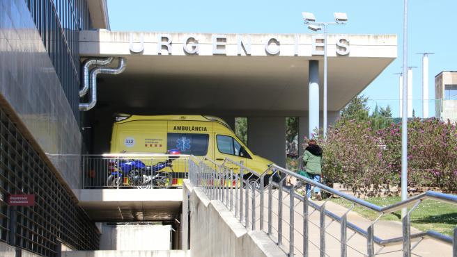 La entrada de Urgencias del hospital de Figueres (Girona), donde fue atendido el menor.