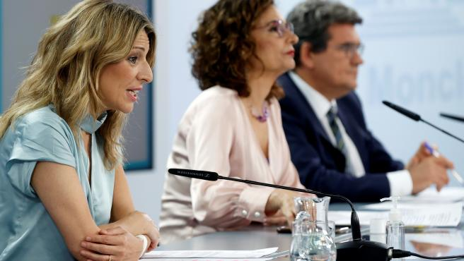 Díaz, Montero y Escrivá, tras el Consejo de Ministros en el que se ha aprobado la prórroga de los ERTE.