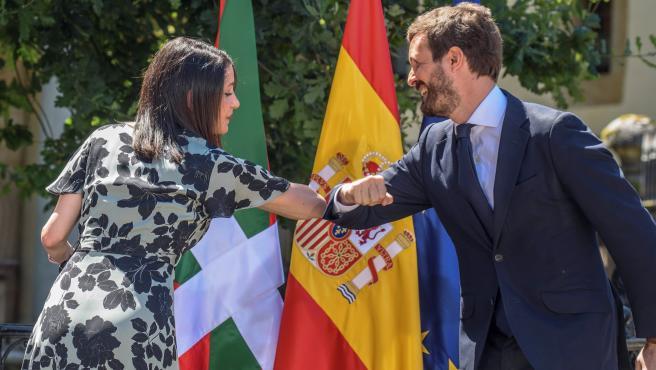 La presidenta de Ciudadanos, Inés Arrimadas, y el presidente del Partido Popular, Pablo Casado.