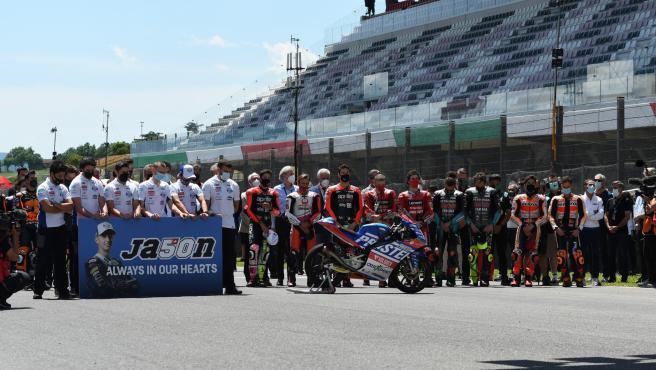Minute of silence for Jason Dupasquier at the Italian GP