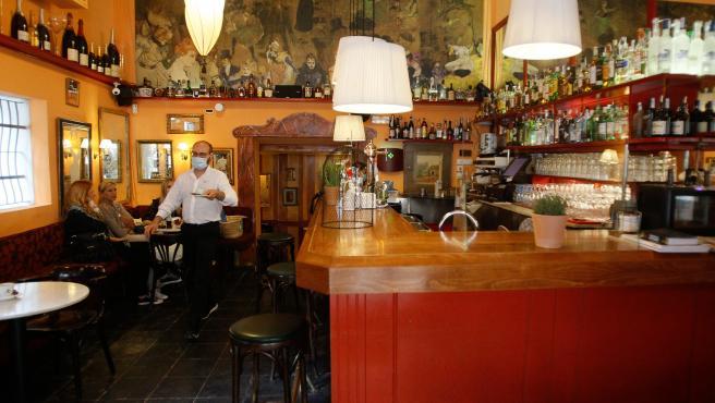Bares y restaurantes de Baleares podrán abrir hasta las 12 de la noche
