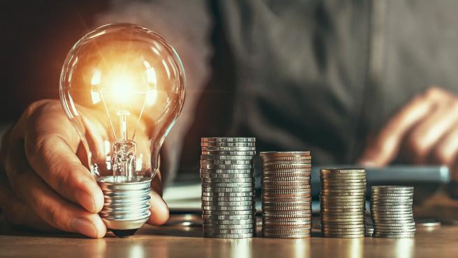 El término de potencia contratado es uno de los mayores costes del recibo eléctrico, junto a los impuestos.