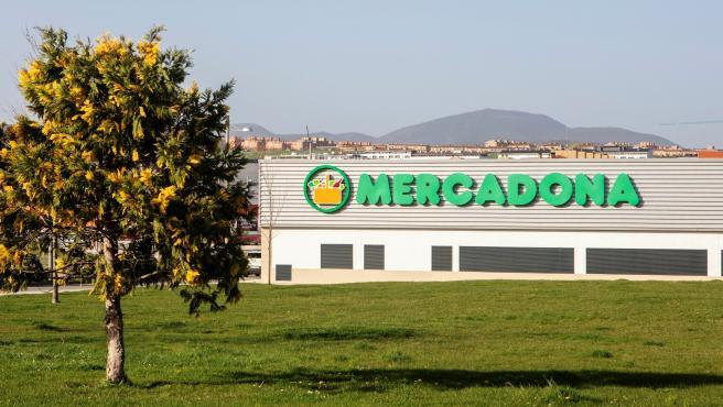 Mercadona culmina la implantación de su Estrategia 6.25 de reducción de plástico en Navarra