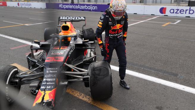 Max Verstappen, tras su caída en el GP de Azerbaiyán