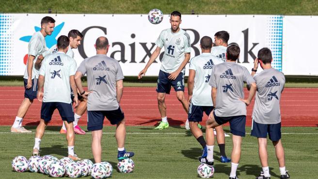Busquets, durante un entrenamiento para la selección española