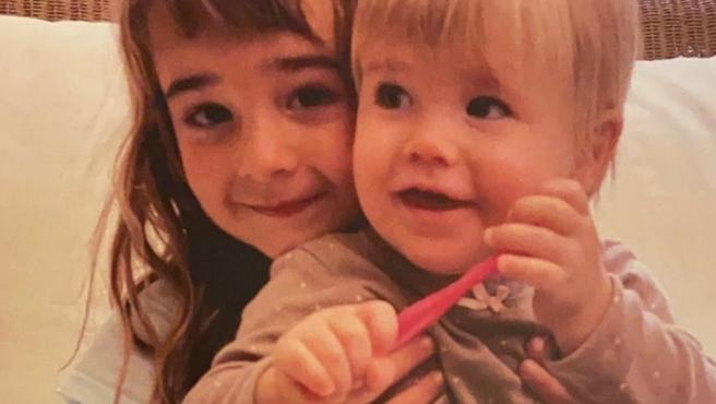 Anna y Olivia.