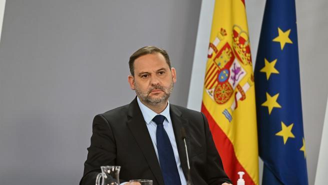 El ministro de Transportes, José Luis Ábalos, comparece tras el Consejo de Ministros de este martes.