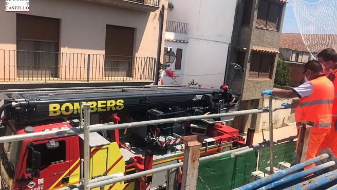 Sucesos.- Un trabajador resulta herido tras caer en una obra de Vilanova d'Alcolea
