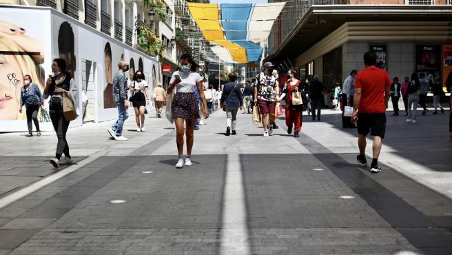 Imagen de una céntrica calle de Madrid en junio de 2020.