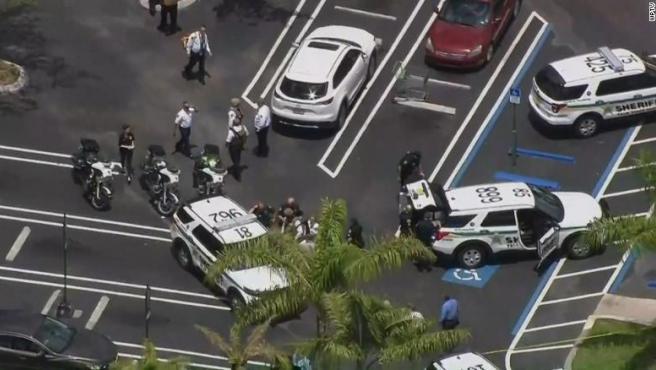 El dispositivo policial desplazado tras el tiroteo.