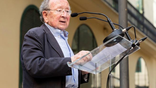 El Premio Joan Francesc Mira recae en dos trabajos sobre descolonización patrimonial y la turistificación de Velluters