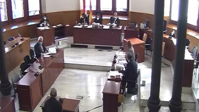 Juicio en la Audiencia de Barcelona contra un expolicía local de Sant Esteve Sesrovires (Barcelona) por un presunto homicidio imprudente al reducir a un hombre. En Barcelona el 10 de junio de 2021. TSJC 10/6/2021