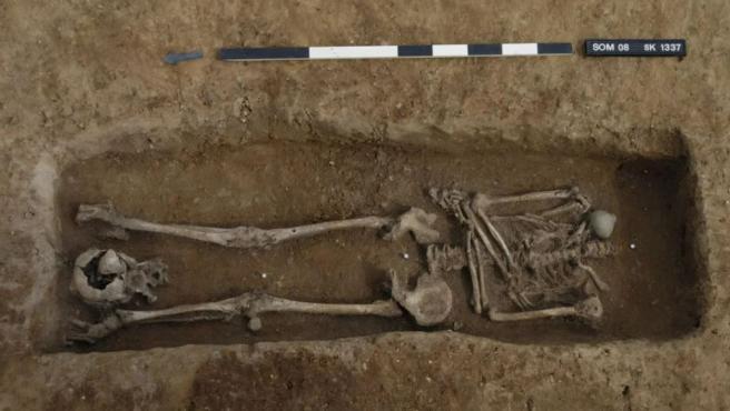 Uno de los esqueletos decapitados descubiertos.