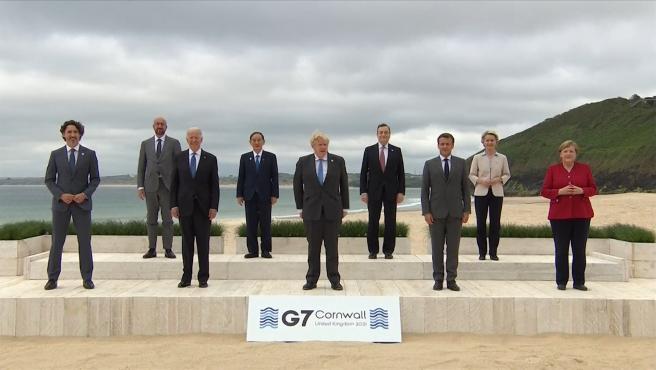 Foto familiar de los líderes del G7 en su cumbre anual