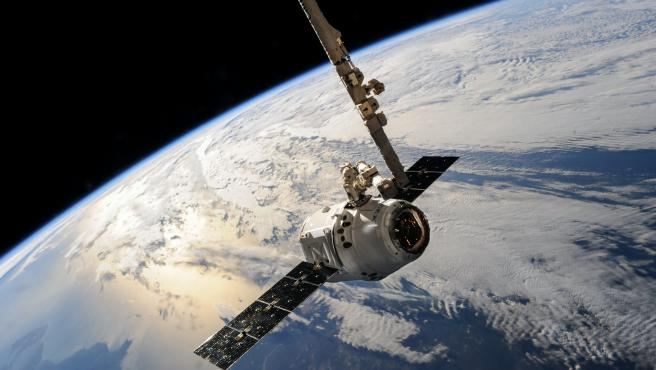 Un satélite de SpaceX sobre la Tierra en una imagen de archivo.