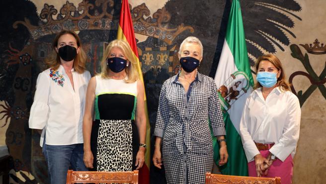 Ayuntamiento duplica hasta los 90.000 euros ayudas a asociación de enfermos de Alzheimer y Marbella Voluntaria