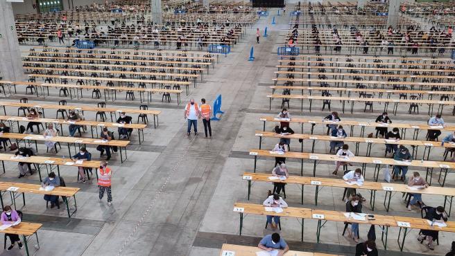Cerca de 3.000 aspirantes participan este sábado en las oposiciones para el Cuerpo Administrativo C1 de la Xunta