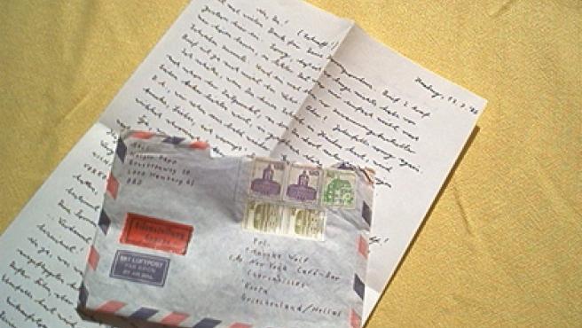 Imagen de una carta con su sobre.