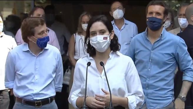 Isabel Díaz Ayuso en la rueda de prensa de la concentración.