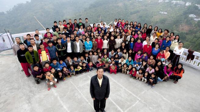 Ziona Chan y su familia.