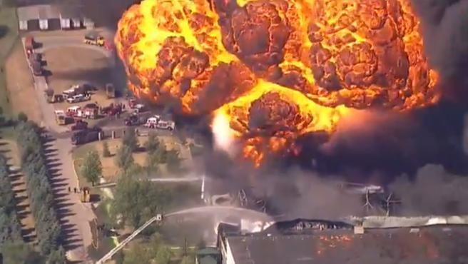 Explosión en una fábrica de grasas lubricantes en Rockton, Illinois.