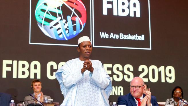 Hamane Niang, presidente de la FIBA.