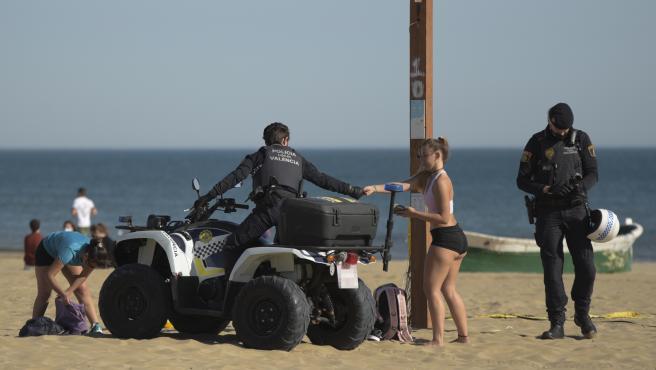 La Policía de València abordará con las universidades los altercados en la playa donde participaron Erasmus