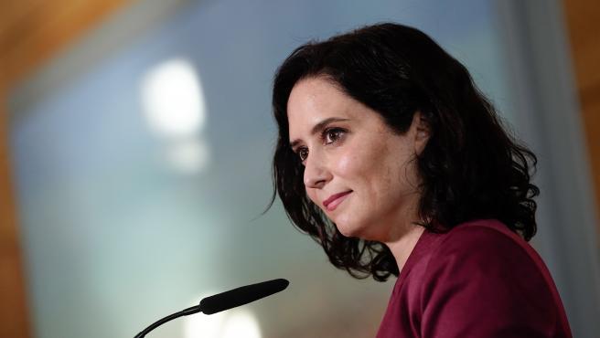 La presidenta de la Comunidad de Madrid, Isabel Díaz Ayuso, durante la ronda de contactos en la Asamblea de Madrid.