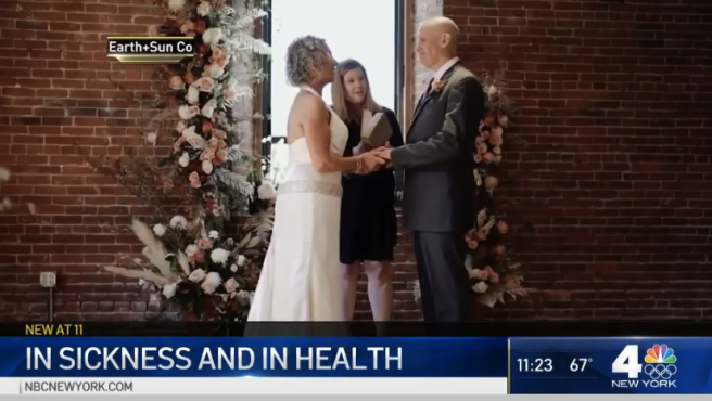 Una pareja se casa en Connecticut (EE UU).