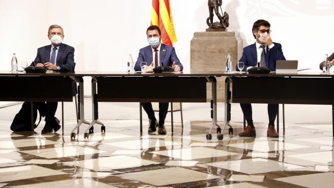 Mesa institucional sobre el futuro del Aeropuerto de Barcelona, que se celebra este lunes por la tarde en el Palau de la Generalitat.