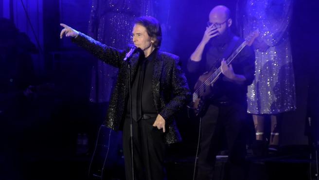 Raphael celebra 60 años en la música sobre los escenarios