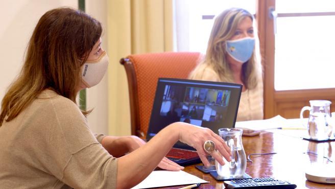 Armengol presenta este miércoles un acuerdo con Seat para facilitar la vacunación masiva