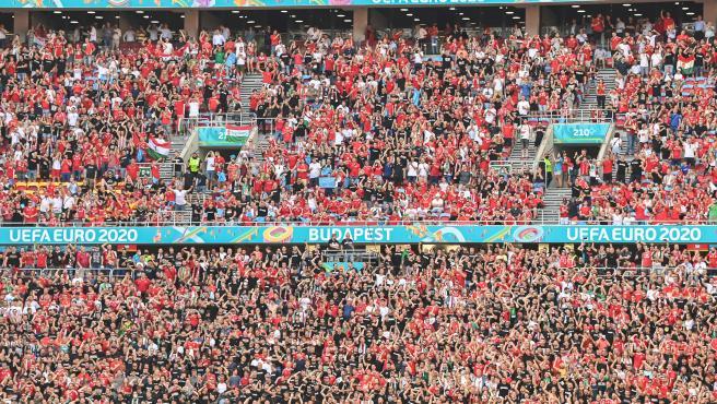 Estadio Puskas Arena de Budapest con más de 70.000 personas.
