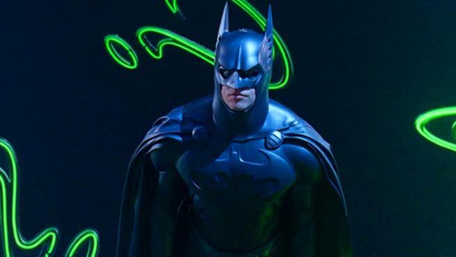 Val Kilmer como Batman