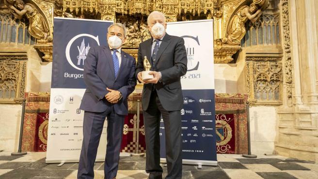 El Colegio de Aparejadores de Burgos reconoce a la Fundación de la Catedral como Colegiado de Honor