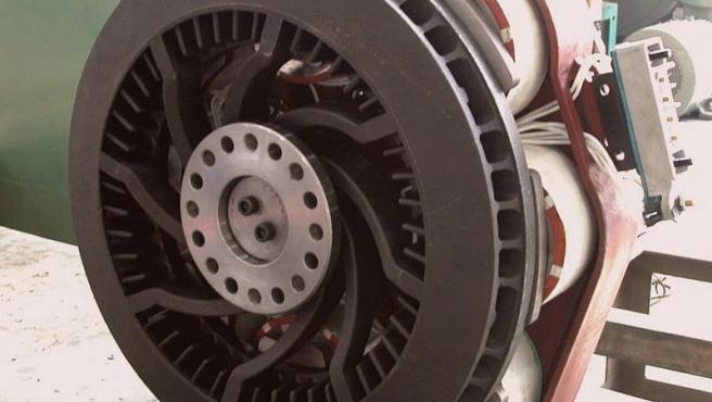 Detalle del freno eléctrico de un camión.