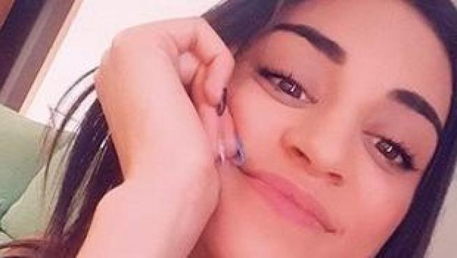 """La madre de Wafaa Sebbah siempre ha relacionado la desaparición de su hija con su entorno próximo y con su núcleo de amistades, según ha manifestado este viernes la alcaldesa de La Pobla Llarga, Neus Garrigues.  """"Siempre ha dicho que alguien de su entorno sabía más de lo que decía"""", según ha dicho Garrigues a los medios de comunicación tras el hallazgo el jueves del cuerpo de la joven desaparecida desde hace diecinueve meses y la detención de David S.O., de 30 años, por su supuesta participación en los hechos."""