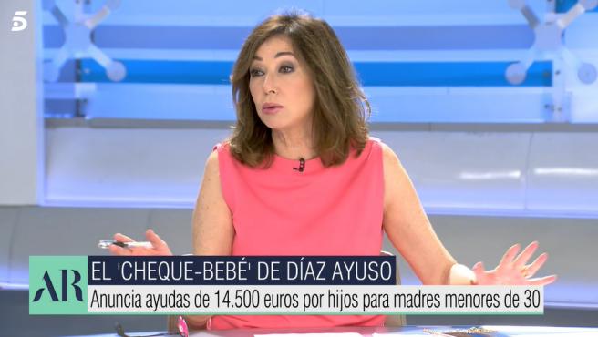 Ana Rosa Quintana presenta su programa 'El diario de Ana Rosa'.