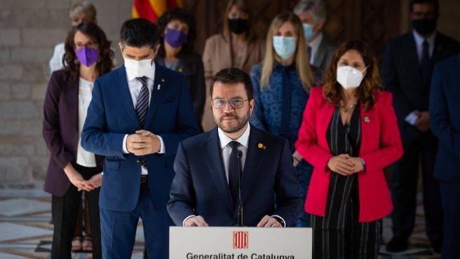 El presidente de la Generalitat, Pere Aragonès, acompañado de los consellers.