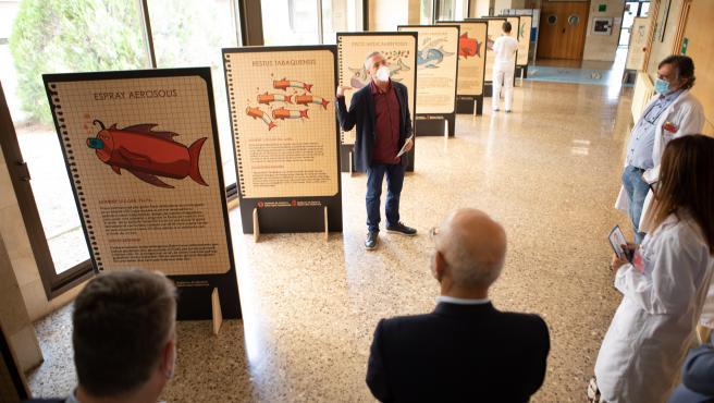 La muestra 'Los otros peces del río' se expone en el Hospital Reina Sofía de Tudela