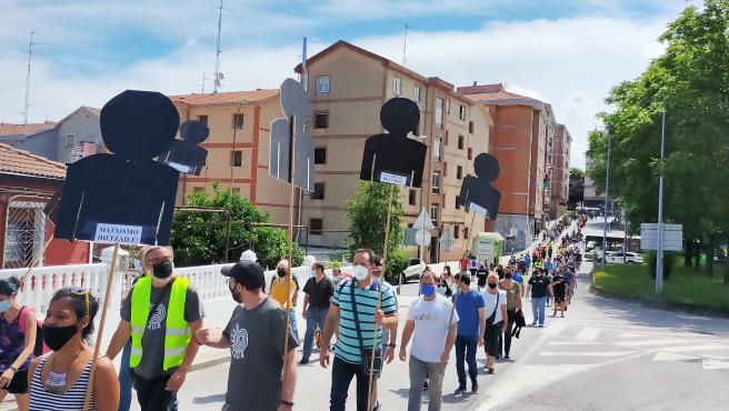 """Una marcha recorre Sestao, Portugalete y Santurtzi """"contra la precariedad, los recortes y por un futuro digno"""""""