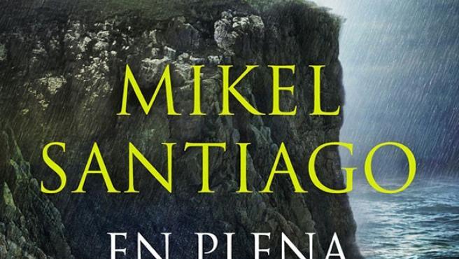 El escritor, Mikel Santiago, presenta su nueva novela 'En plena noche' el próximo martes en Santos Ochoa