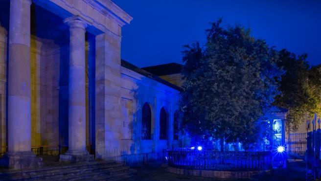 La Casa de Juntas de Gernika se tiñe de azul por el Día Mundial del Refugiado