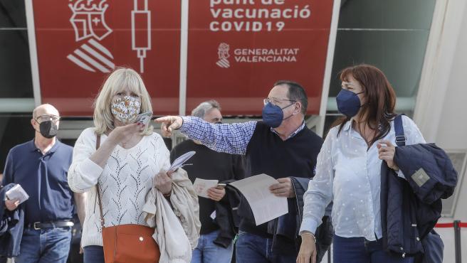 ROBER SOLSONA….20210419…..VALENCIA….Proceso de vacunación masiva contra el coronavirus, en la Ciudad de las Artes y las Ciencias.