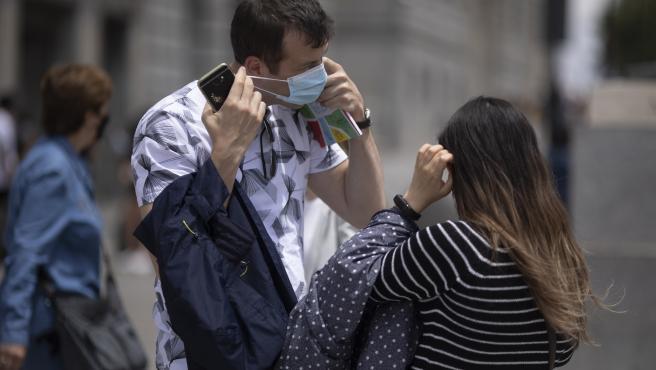 Salud pide llevar siempre una mascarilla en el bolsillo y no olvidar el resto de las medidas sanitarias
