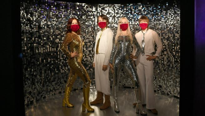 Figuras de la banda ABBA en el museo de Madame Tussauds durante la pandemia.