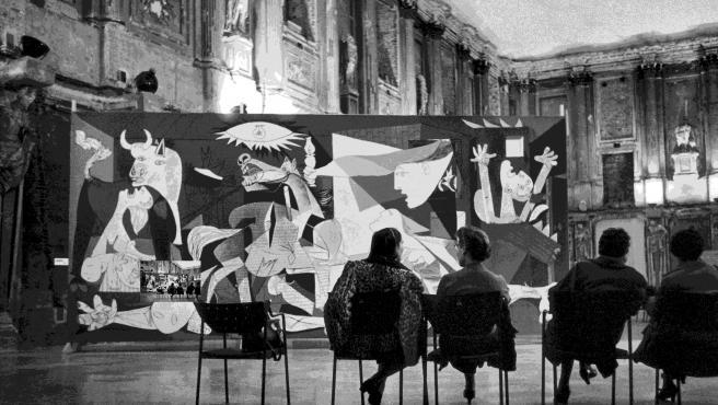 """Fundación """"la Caixa"""" y el Reina Sofía invitan a acompañar al Guernica en sus viajes en una muestra en Gandia"""