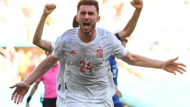 Aymeric Laporte celebra su gol ante Eslovaquia en la Eurocopa